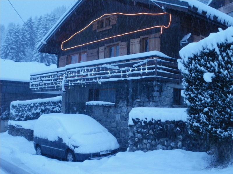 Lou-Paradou-exterieur-neige-hiver-location-appartement-chalet-Les-Gets