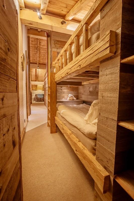 Maison-d-hiver-chambre-lits-superposes-location-appartement-chalet-Les-Gets