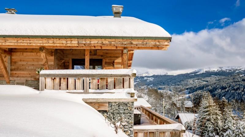 Maison-d-hiver-exterieur-hiver2-location-appartement-chalet-Les-Gets