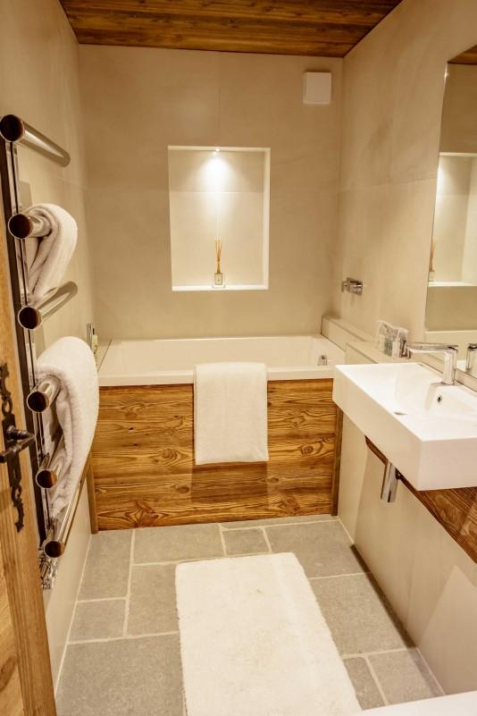 Maison-d-hiver-salle-de-bain2-location-appartement-chalet-Les-Gets