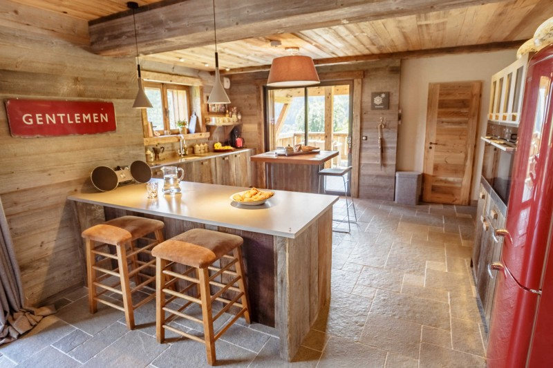 maison-dhiver-first-floor-kitchen-3579231