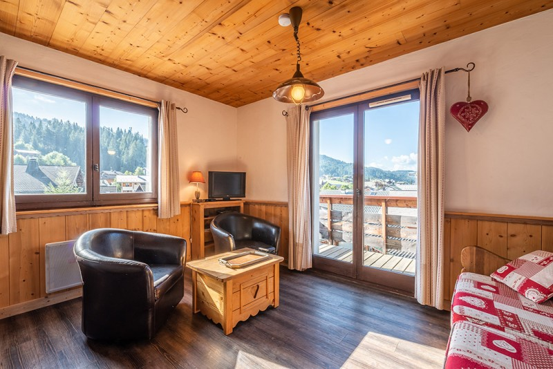 Marcelly-16-salon2-location-appartement-chalet-Les-Gets