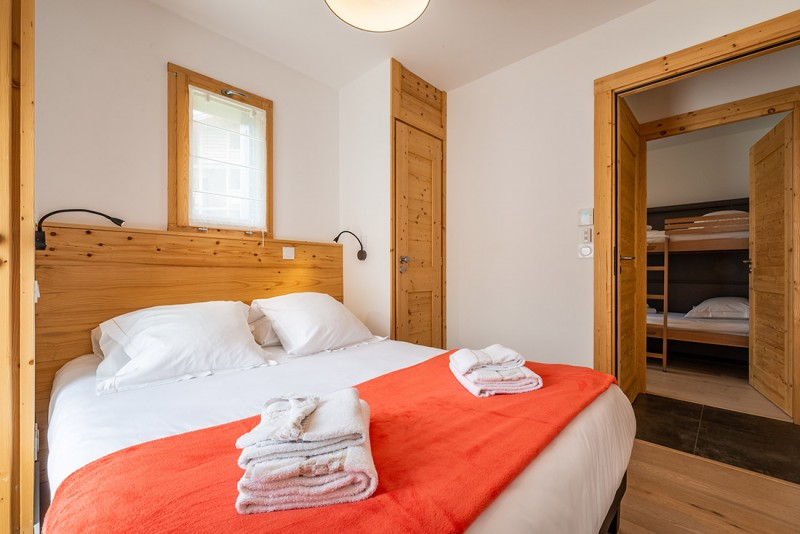 Maroussia-C2-chambre-double-location-appartement-chalet-Les-Gets