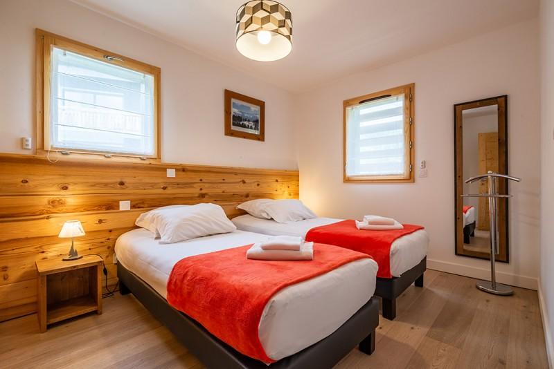 Maroussia-C2-chambre-lits-simples-location-appartement-chalet-Les-Gets