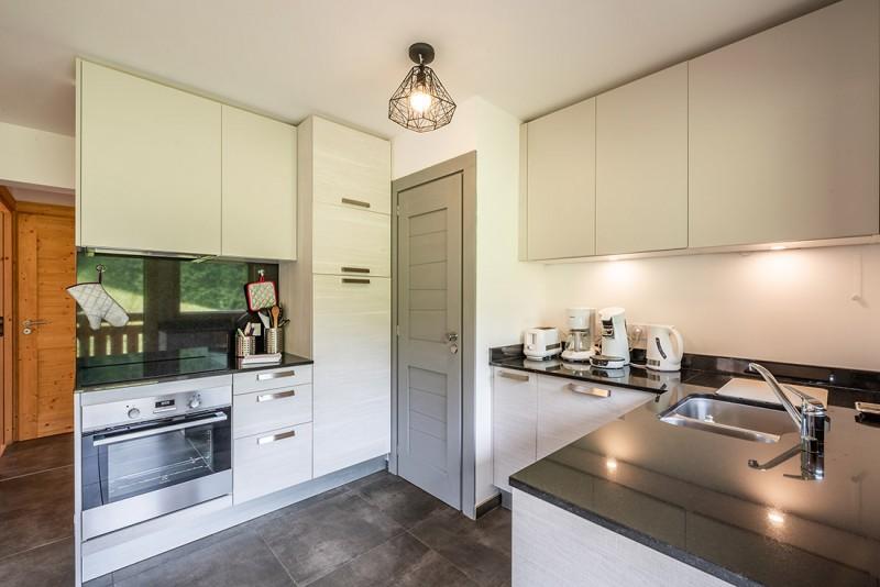 Maroussia-C2-cuisine-location-appartement-chalet-Les-Gets