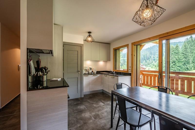 Maroussia-C2-cuisine2-location-appartement-chalet-Les-Gets