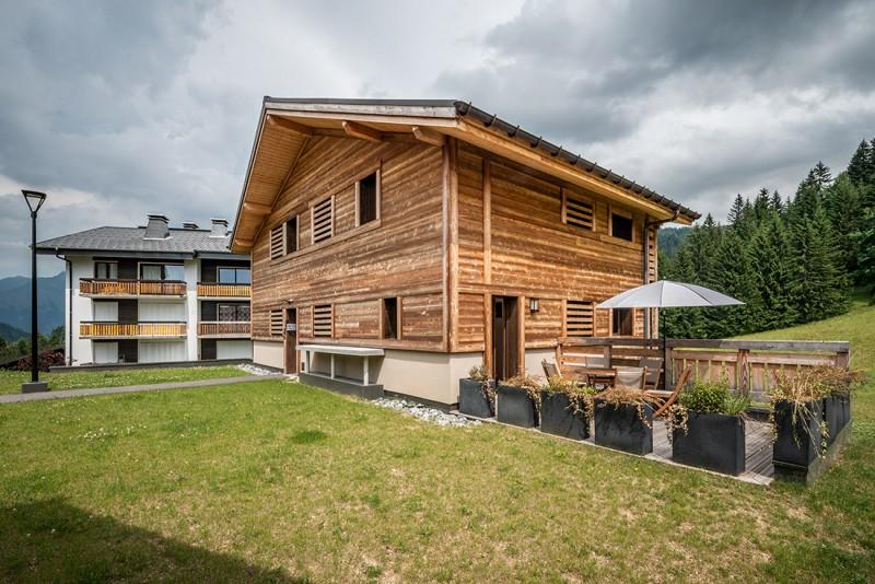 Maroussia-C2-exterieur-ete-location-appartement-chalet-Les-Gets