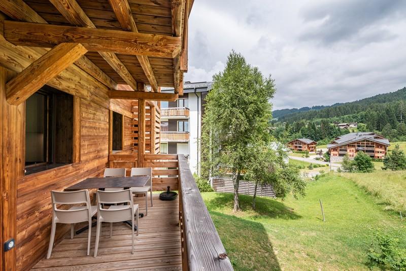 Maroussia-C2-vue-balcon-location-appartement-chalet-Les-Gets