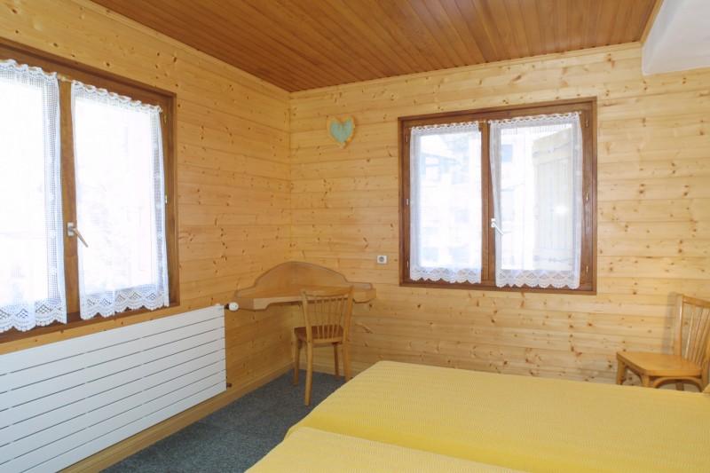 Nevada-4-chambre-lit-double2-location-appartement-chalet-Les-Gets