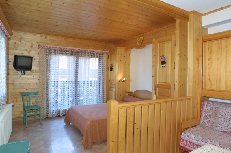 Nevada-5-salon-location-appartement-chalet-Les-Gets