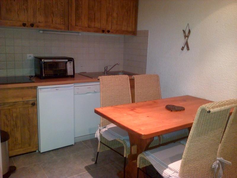 Pameo-4-2-cuisine-location-appartement-chalet-Les-Gets