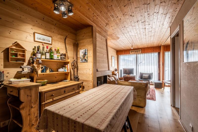 Pied-de-Adroit-5-salle-a-manger-table-location-appartement-chalet-Les-Gets