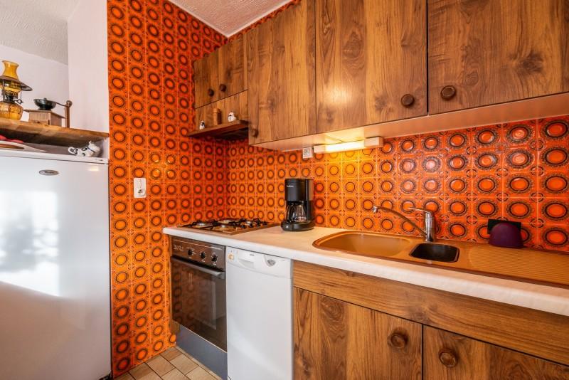 Pressenage-Geai-cuisine1-location-appartement-chalet-Les-Gets