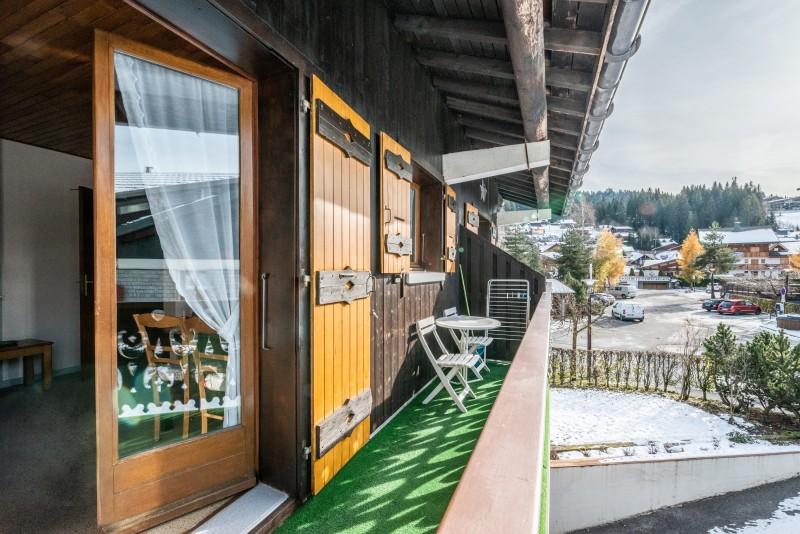 Pressenage-Mesange-balcon-location-appartement-chalet-Les-Gets