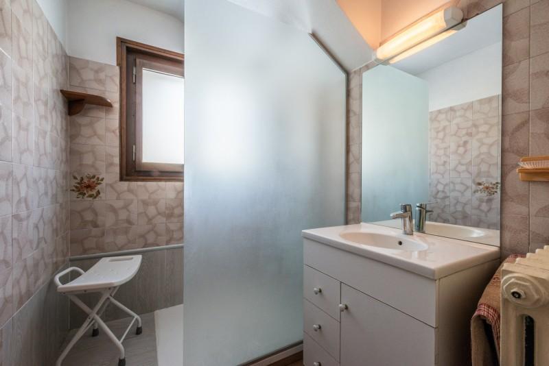 Pressenage-Mesange-salle-de-bain-location-appartement-chalet-Les-Gets