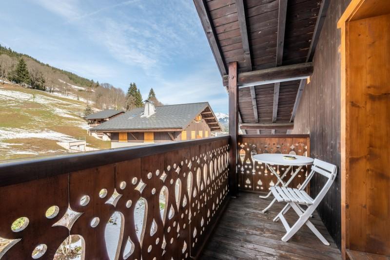 Pressenage-Moineau-balcon-location-appartement-chalet-Les-Gets