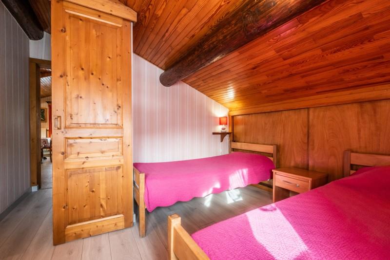 Pressenage-Moineau-chambre-lits-simples-location-appartement-chalet-Les-Gets
