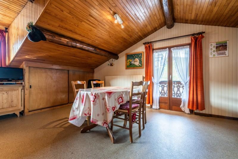 Pressenage-Moineau-salle-a-manger-location-appartement-chalet-Les-Gets