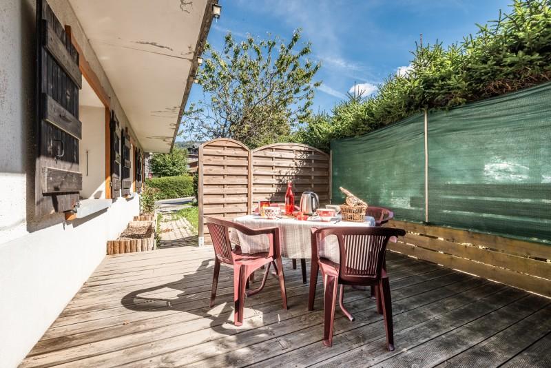 Quatre-saisons-terrasse-appartement-chalet-les-gets