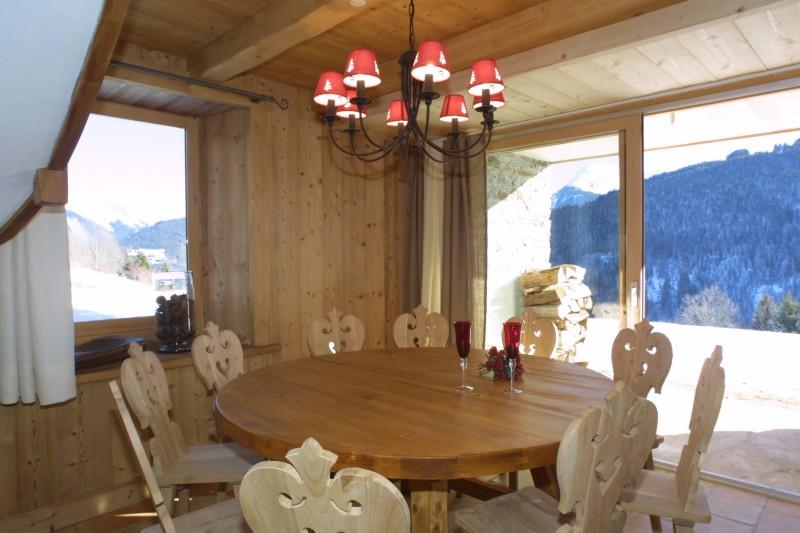 Ramus-Roy-des-Montagnes-salle-a-manger-location-appartement-chalet-Les-Gets