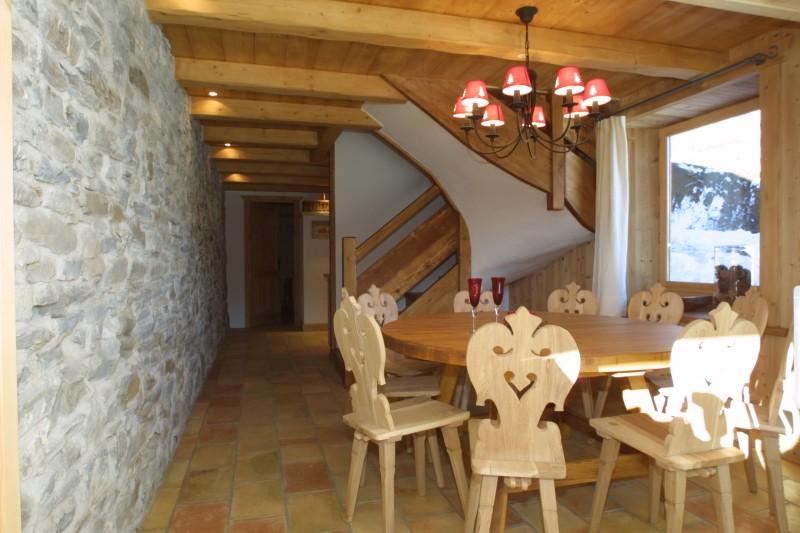 Ramus-Roy-des-Montagnes-salle-a-manger1-location-appartement-chalet-Les-Gets