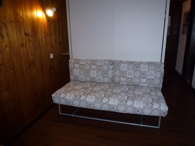 Ranfolly-B6-canape-location-appartement-chalet-Les-Gets