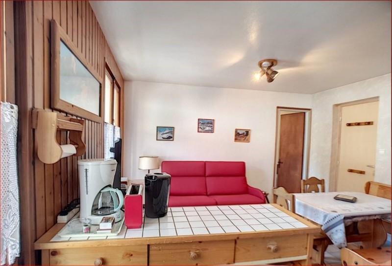 Retour-aux-Neiges-1-cuisine-location-appartement-chalet- Les-Gets