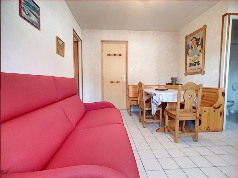 Retour-aux-Neiges-1-salon-location-appartement-chalet- Les-Gets