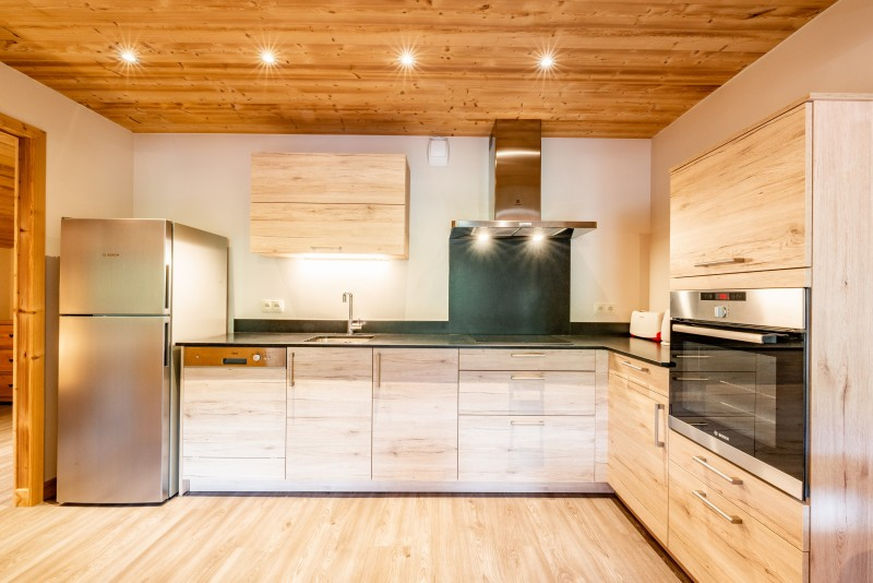 Rhodos-10-cuisine-location-appartement-chalet-Les-Gets