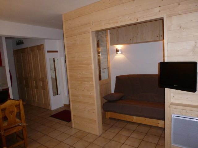 Rhodos-4-salon-location-appartement-chalet-Les-Gets