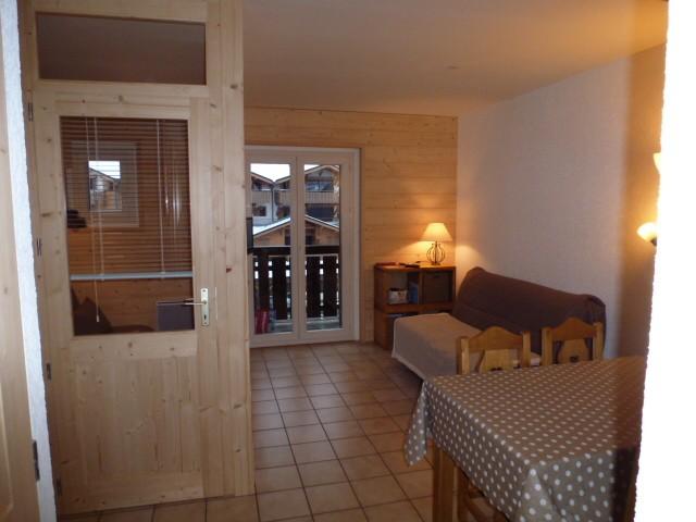 Rhodos-4-sejour2-location-appartement-chalet-Les-Gets