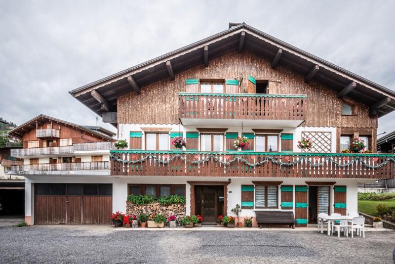 Roitelet-Les-Plagnes-vue-exterieur-chalet-location-appartement-chalet-Les-Gets