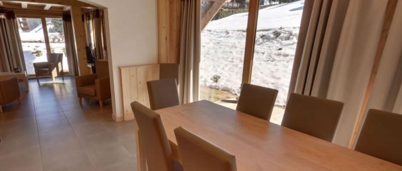 Sabaudia-3-pieces-alcoves-6/8-personnes-salle-a-manger-location-appartement-chalet-Les-Gets