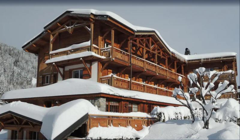Sabaudia-5-pieces-8/10-personnes-exterieur-hiver-location-appartement-chalet-Les-Gets