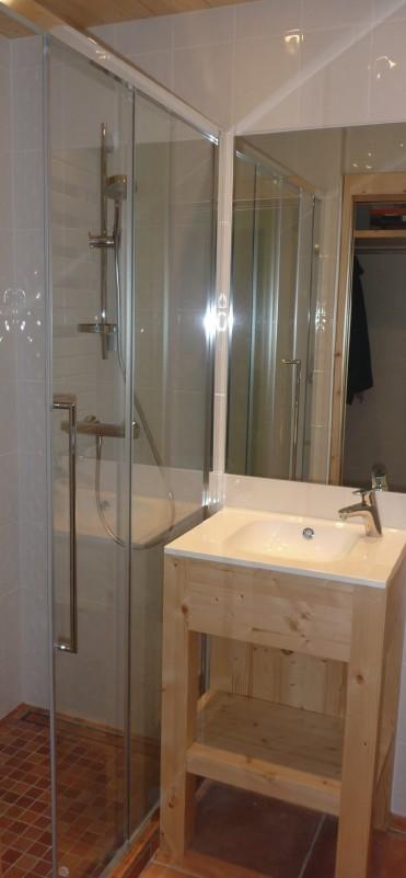 Saint-Guibert-salle-de-bain-location-appartement-chalet-Les-Gets