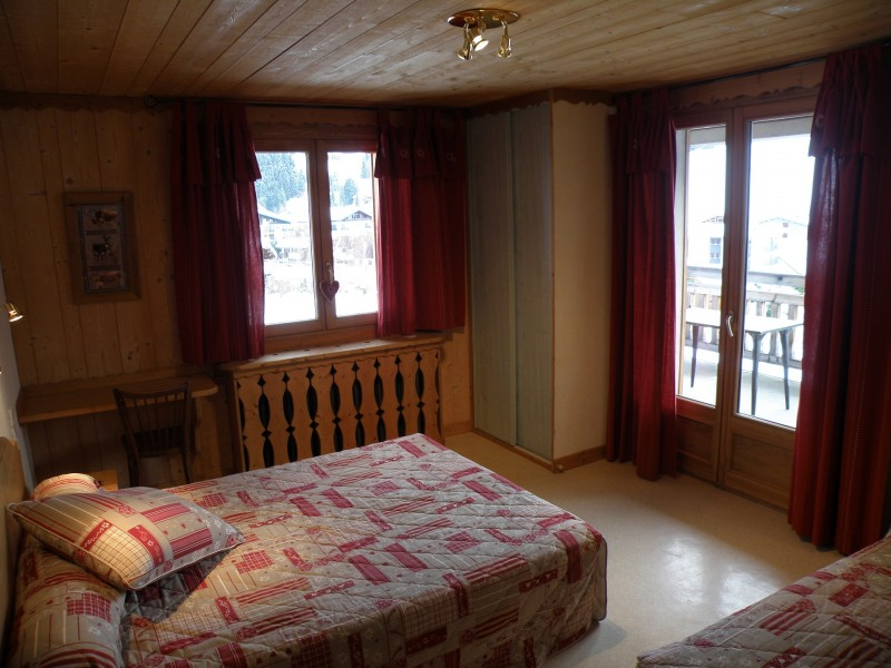 Sapiniere-5-chambre-lit-double-location-appartement-chalet-Les-Gets