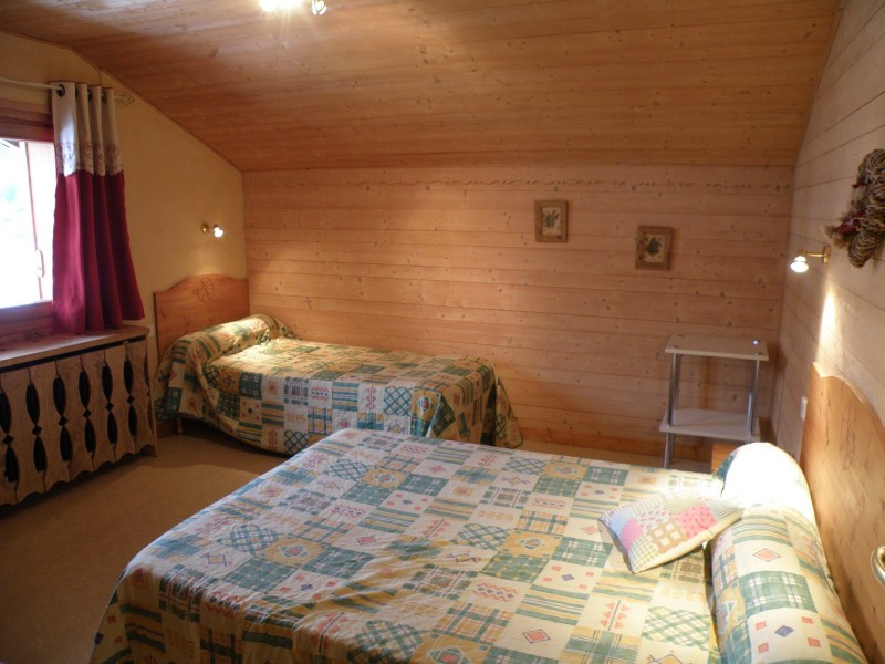 Sapiniere-7-chambre-triple-location-appartement-chalet-Les-Gets