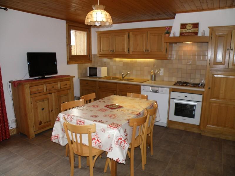 Sapiniere-8-cuisine-location-appartement-chalet-Les-Gets