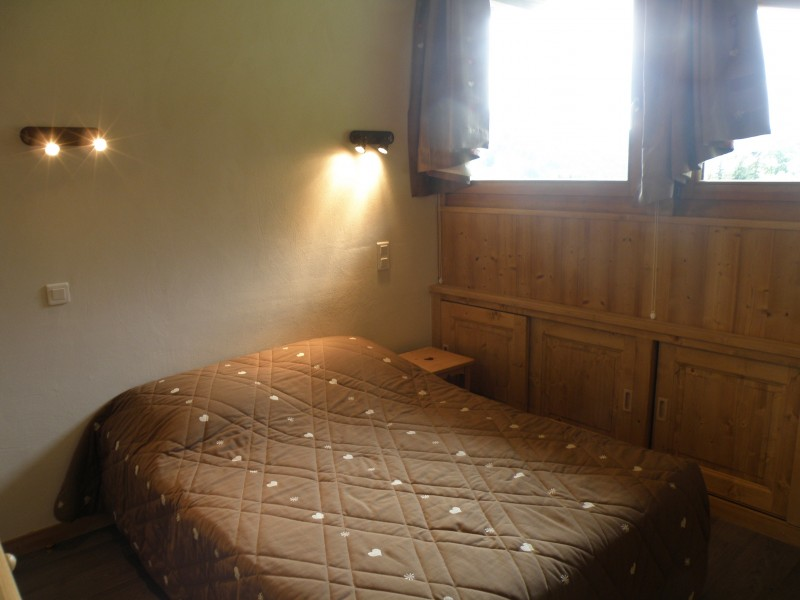 Sapiniere-9-chambre-lit-double-location-appartement-chalet-Les-Gets