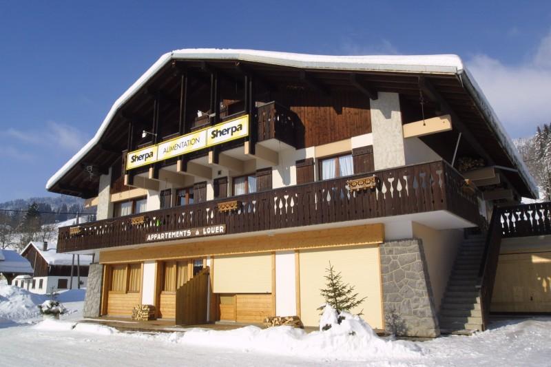 Sherpa-Myrtille-exterieur-hiver-location-appartement-chalet-Les-Gets