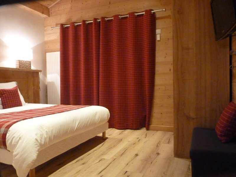 Sherpa-Pivotte-chambre-double2-location-appartement-chalet-Les-Gets