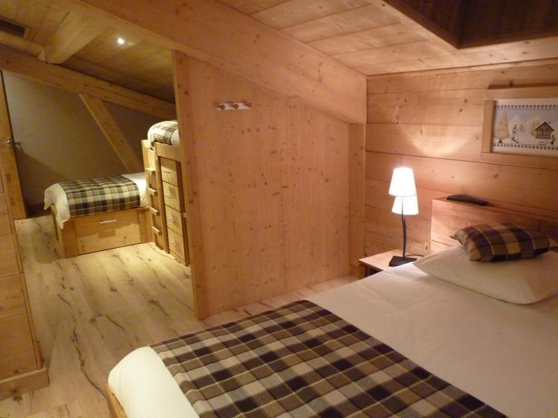 Sherpa-Pivotte-chambre-lits-doubles2-location-appartement-chalet-Les-Gets