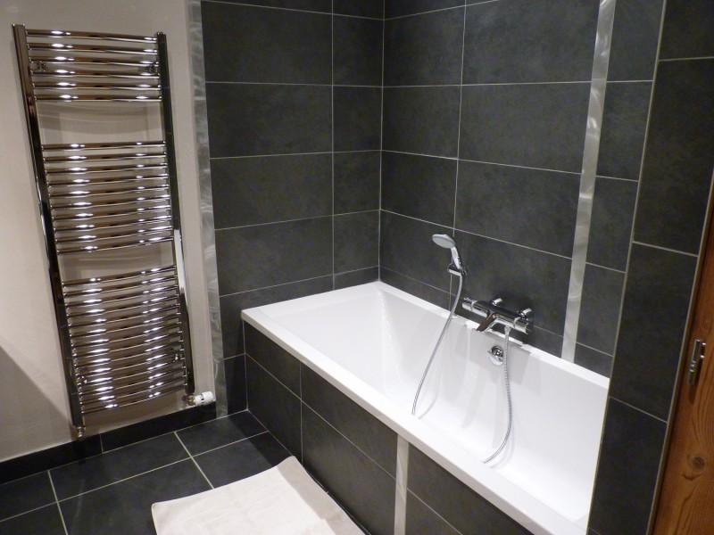 Sherpa-Pivotte-salle-de-bain2-location-appartement-chalet-Les-Gets