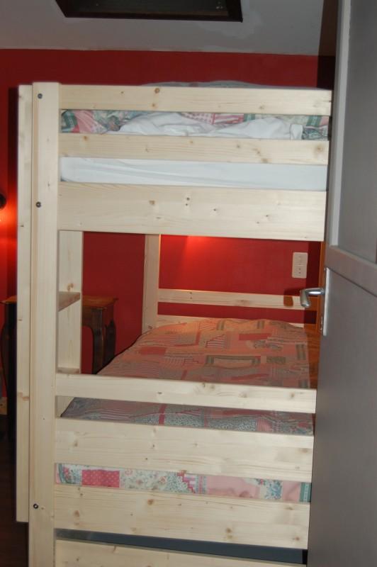 Six-Deniers-chambre-lits-superposes-location-appartement-chalet-Les-Gets