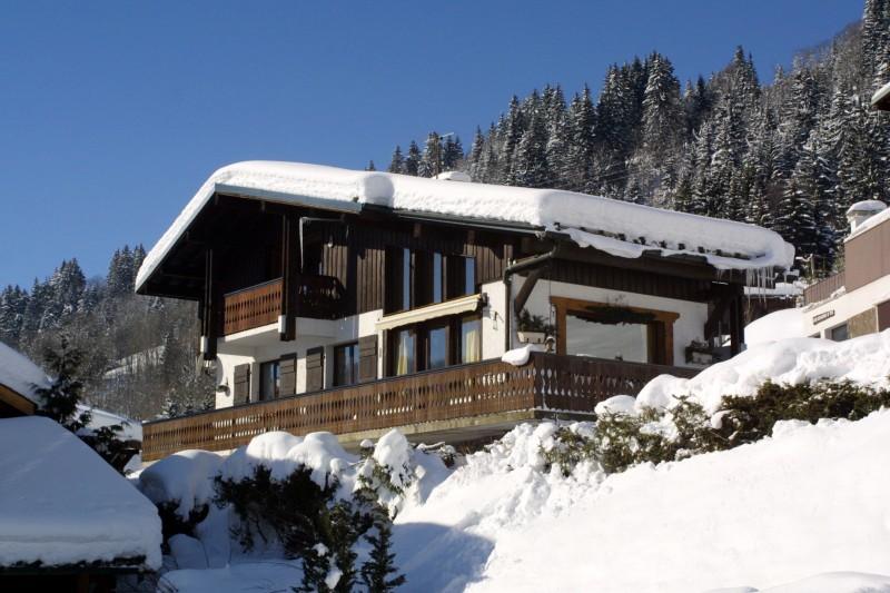 Six-Deniers-exterieur-hiver-location-appartement-chalet-Les-Gets