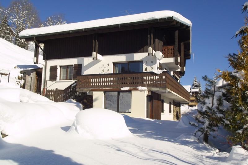 Six-Deniers-exterieur-hiver2-location-appartement-chalet-Les-Gets