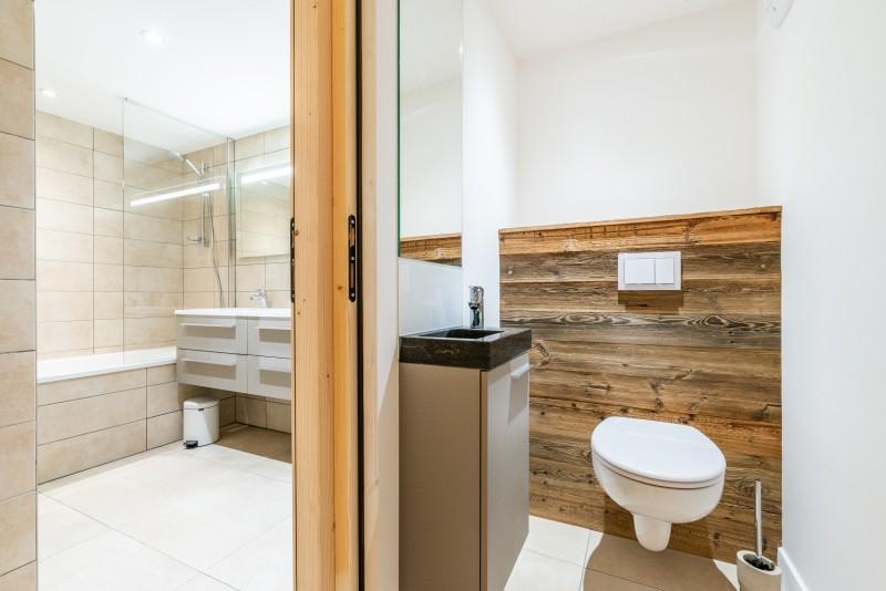 Solaret-206-sdb-wc-location-appartement-chalet-Les-Gets