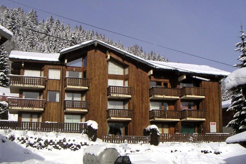 Soleil-de-Minuit-2-exterieur-hiver-location-appartement-chalet-Les-Gets