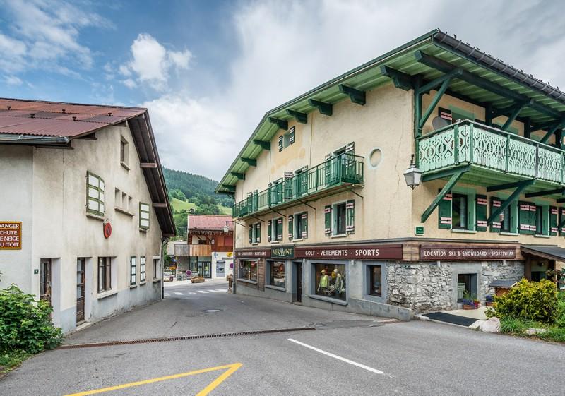 Splery-Gentiane-exterieur-rue-location-appartement-chalet-Les-Gets