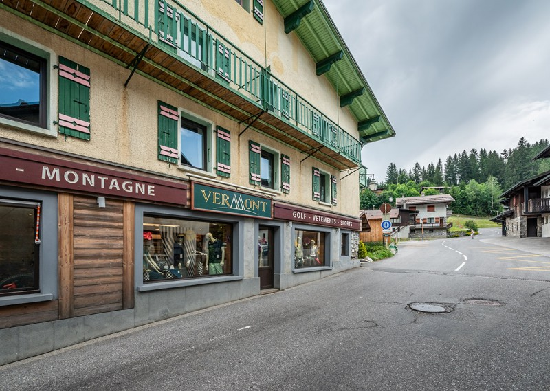 Splery-Lupin-rue-exterieur-location-appartement-chalet-Les-Gets